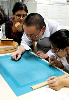Paper Conservation in Latin America: Meeting East