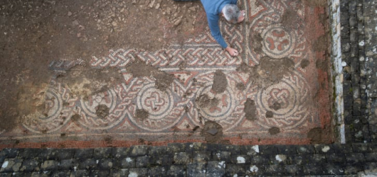 Tremendously exciting' 5th century Roman mosaic found in Britain