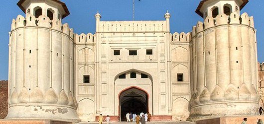 WCLA starts restoration work of monuments at Lahore Fort