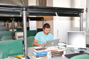 Student carrying out research in the ICCROM Library. © ICCROM